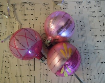 Pink Shiny Brite Ornaments / Shiny Brite / Vintage Christmas Ornaments / Glass Christmas Tree Ornaments / Vintage Christmas Decor