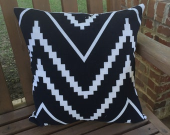 outdoor and indoor decorative pillow. black and white.