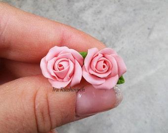 Stud earrings pink rose