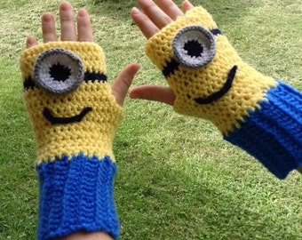 Minion Fingerless Gloves