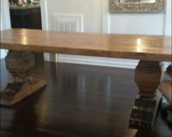 New York Pedestal Dining Table
