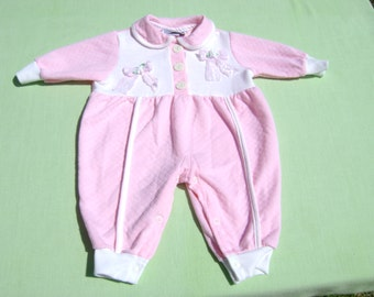 vintage doe spun made in united states girls coverall romper size 3-6 months pink with white trim lace bows in front