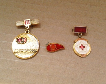 Set of 3 Vintage Soviet  metal collectible badges - Donor of the USSR, Honorary Donor /  Made in USSR, 1970s