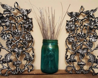 Cast iron wall hanging set with vines and flowers