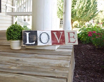 Love pallet sign.  Wedding sign, Love decor, wedding decor, Valentines Day decor, wood sign, country home decor, rustic home decor,weddings.