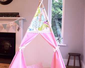 Teepee Tent with Poles. Owl Topper Play tent for children. 3 Different size and colour options available.
