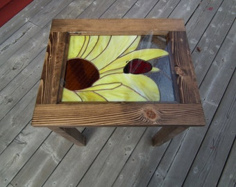Side table with stained glass (a coquecinelle on his sunflower)