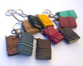 Set of 5 Mini Book Keychains,tiny book,leather journal