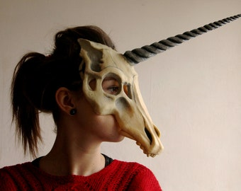 Unicorn skull mask silver horn