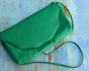 Vintage Green Faux Leather Purse