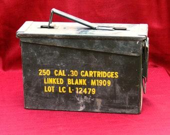 Vintage U.S. Military Ammunition box Green Metal for Cal .30 Cartridges                 00550
