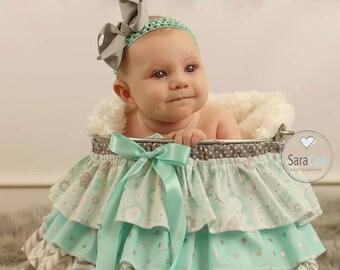 Ruffle Bucket Baby Photography Prop Aqua/Silver