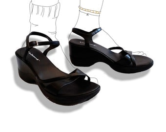 Black strappy 90s wedge sandals!