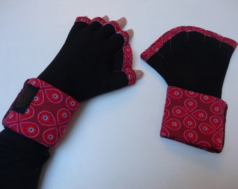 adult palmate mittens