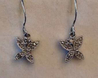 Vintage pair of 14k white gold 14 Diamond Butterfly Drop Dangle Earrings on wires, .04 ctw with beaded milgrain edges
