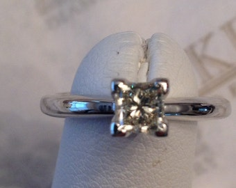 Vintage 14k white gold Princess Cut Diamond Solitaire Engagement Ring .52 ct M-I1, size 5.75