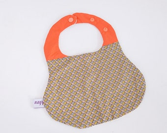 Bib for kids - adjustable - geometric and plain orange patterns