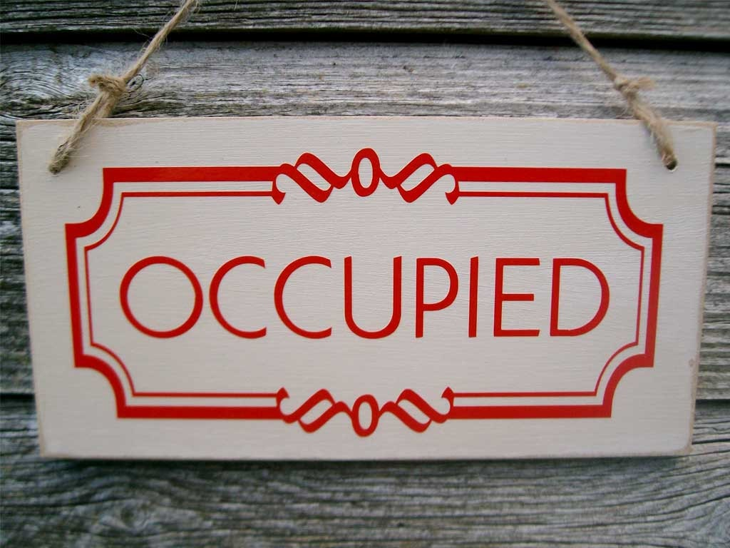 Occupied vacant double sided bathroom door sign toilet for Bathroom occupied sign