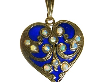 Nouveau Arts & Crafts Heart Pendant Plique-à-jour  Enamel Opals Gold (#5486)