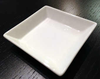 Small Porcelain Jewelry Tray