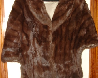 Vintage genuine fur from 1940's excellent condition comes with gift