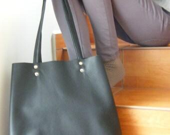 Best price !!! Black leather tote!!Tote black leather.Tote bag.Leather tote bag.Black leather bag.20
