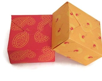 Square box, Indian wedding favor, gift box, diwali gift box, paisley print, south asian wedding, jewelry packaging
