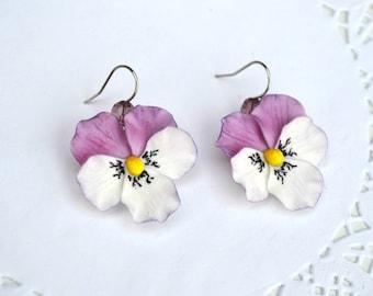 Pansy earrings. Bridal earrings. Purle earrings. Wedding flower earrings. Pansy jewelry. Polymer clay earrings flowers. Polymer clay jewelry