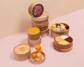 Bento Lunchbox XL * Eshly * Ash Wood* stackable * 28fl. oz./830 ml * ø 6,1 inch/155 mm * Bowl and plate * organic rubber band Rose