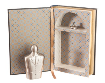 Hollow Book w/ Tuxedo Flask - Ernest Hemingway (Leather-bound) (Magnetic Closure)
