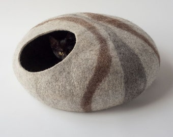 Pets bed / Cat bed - cat cave - cat house - eco-friendly handmade felted wool cat bed - eco friendly wool - cat cave
