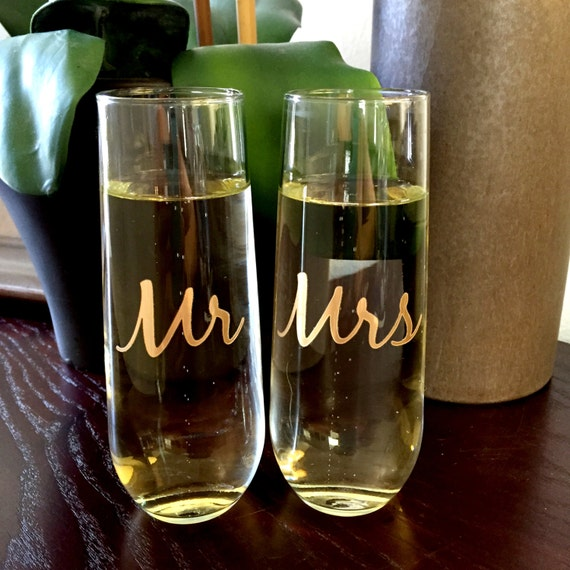Stemless Champagne Mr And Mrs Couple Glasses Wedding