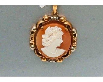 Pendant former Mineralife in yellow gold and cameo in shell
