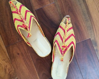 Raffia Babouch, Moroccan shoes, leather shoes, mules, slides, handmade babouch, moroccan leather, made in Morocco ladies size 8/9 shoes