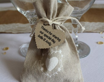 Rustic / Lace / hessian favour bags with a personalised tag - Large x 10