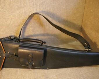 Etui de fusil de chasse en cuir for Meuble porte fusil