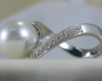 White gold ring, Australian Pearl and diamonds-rings in white gold south sea pearl and diamonds