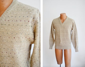 """1980s Tan Vneck Sweater - 39"""" Chest"""