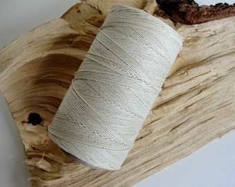 WHITE, waxed linen thread, thickness of 1,0 mm / 3 ply