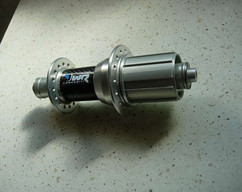 wr compositi rear hub, never been used