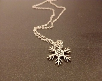 snowflake necklace, snowflake jewelry, winter necklace, winter jewelry, snow neckalace, season jewelry, winter wonderland,snow lover jewerly