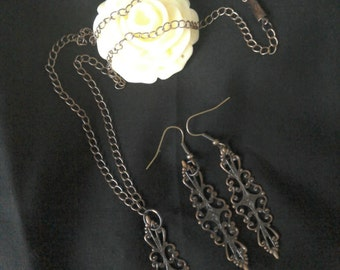 Vintage Style Necklace & Earrings Set
