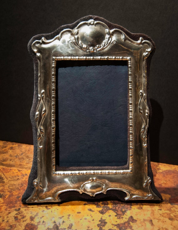 Fine English Vintage Sterling Silver Repousse Photo Frame