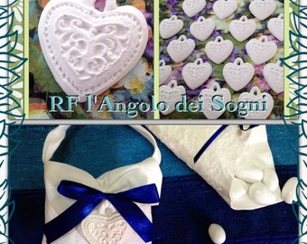 Favors-placeholder / Ceramic powder / sugared almonds / Wedding / hearts personalized with initials