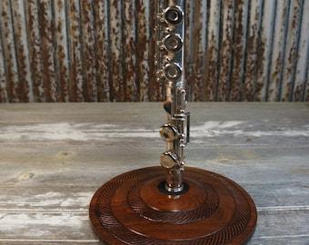 Spiral Flute Stand (Walnut)