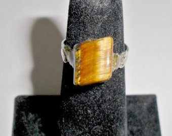 Pretty petite vintage ladies' silvertone tiger eye ring size 5 adjustable