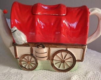 Sadler Covered Wagon functional teapot from the 1950s. Embossed and hand painted in vibrant red, cream and brown.