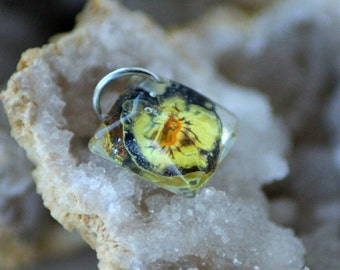 REAL VIOLA flower CHARM - Transparent Resin Jewelry
