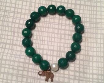 Stretchy jade + pearl bracelet