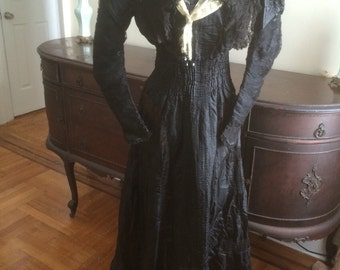 Victorian edwardian antique silk dress    Museum
